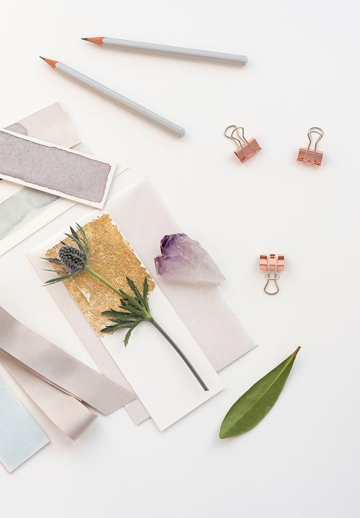 Moodboard tegels, kleuren, bloemen en knijpers